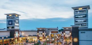 Twin Cities Premium Outlets, Eagan, Minn.