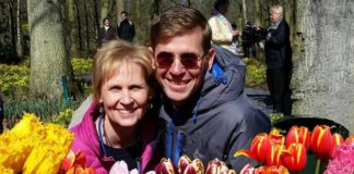 Rhonda and Todd Moss of Extra Touch Tour at Keukenhof, the Netherlands