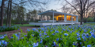 The Farnsworth House, Plano, Ill. Credit: Jeff Goldberg
