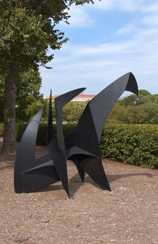 Alexander Calder, Sky Hooks, 1962 Credit: Lee Stalsworth Padnos Rooftop Sculpture Garden