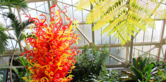"Dale Chilhuly's ""Sunset Tower,"" Franklin Park Conservatory and Botanical Gardens, Columbus, Ohio Credit: Franklin Park Conservatory and Botanical Gardens Chihuly: Celebrating Nature"