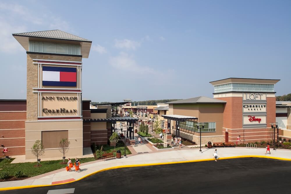 St. Louis Premium Outlets in St. Louis, Missouri