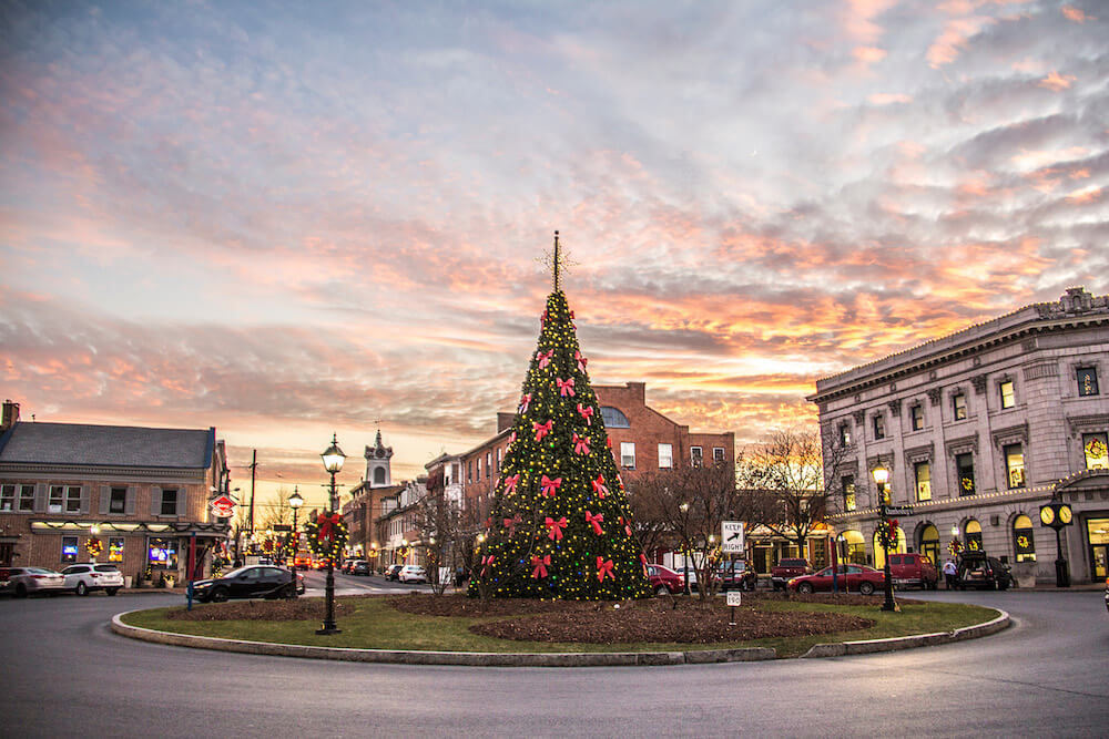 Gettysburg decorated holiday tree holidays