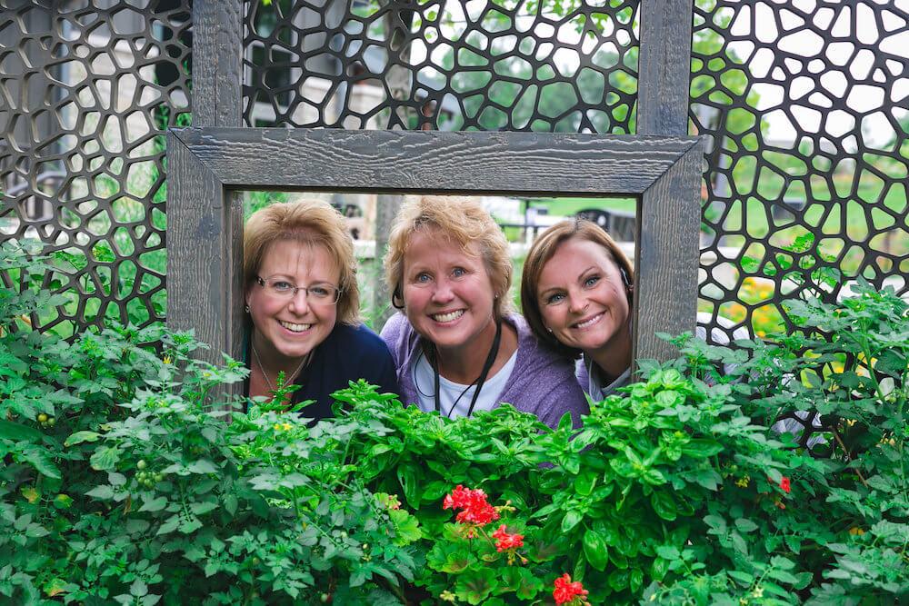 Green Bay Botanical Gardens, three women in picture frame