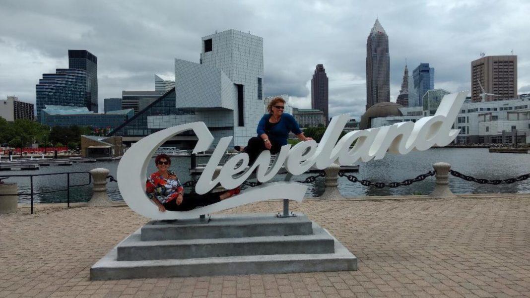 Discover My Cleveland Pegi Dicson and Lynda Nemeth